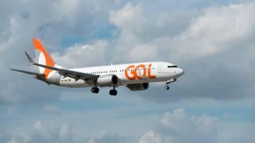 Avião da GOL em voo