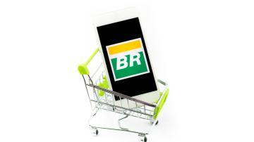 Logo da Petrobras em um carrinho de supermercado