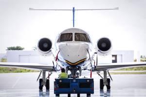 Embraer entrega 34 jatos no 2º tri e anima analistas; ações sobem na Bolsa