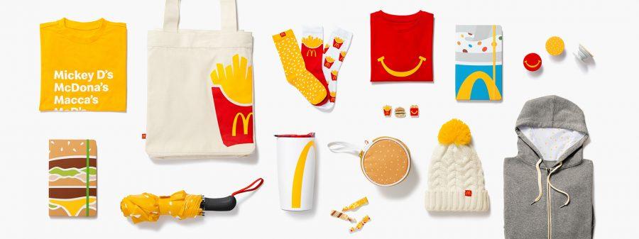Produtos da rede McDonalds exposto em fundo branco