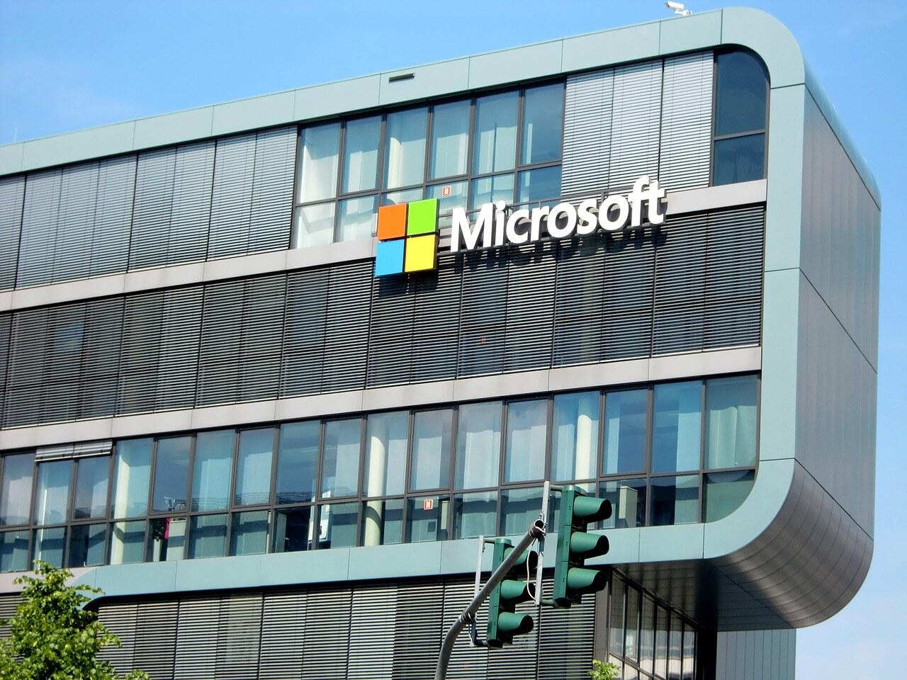 Microsoft: ataque cibernético comandado por hackers chineses atinge clientes da empresa thumbnail