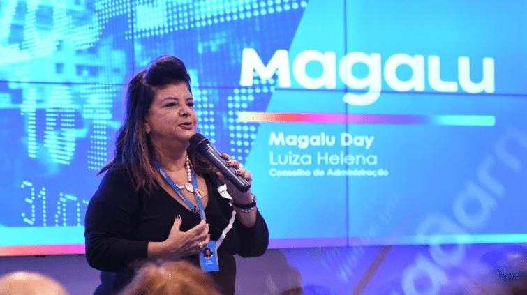 Luiza Helena Trajano em apresentação no Magazine Luiza