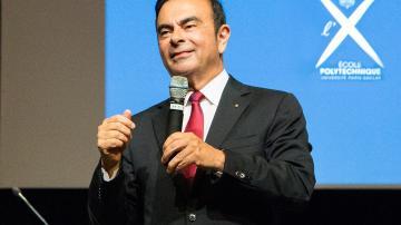 Carlos Ghosn em palestra na Escola Politécnica de Paris