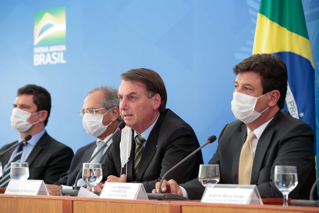 Bolsonaro e Ministros de Estado em coletiva sobre coronavírus