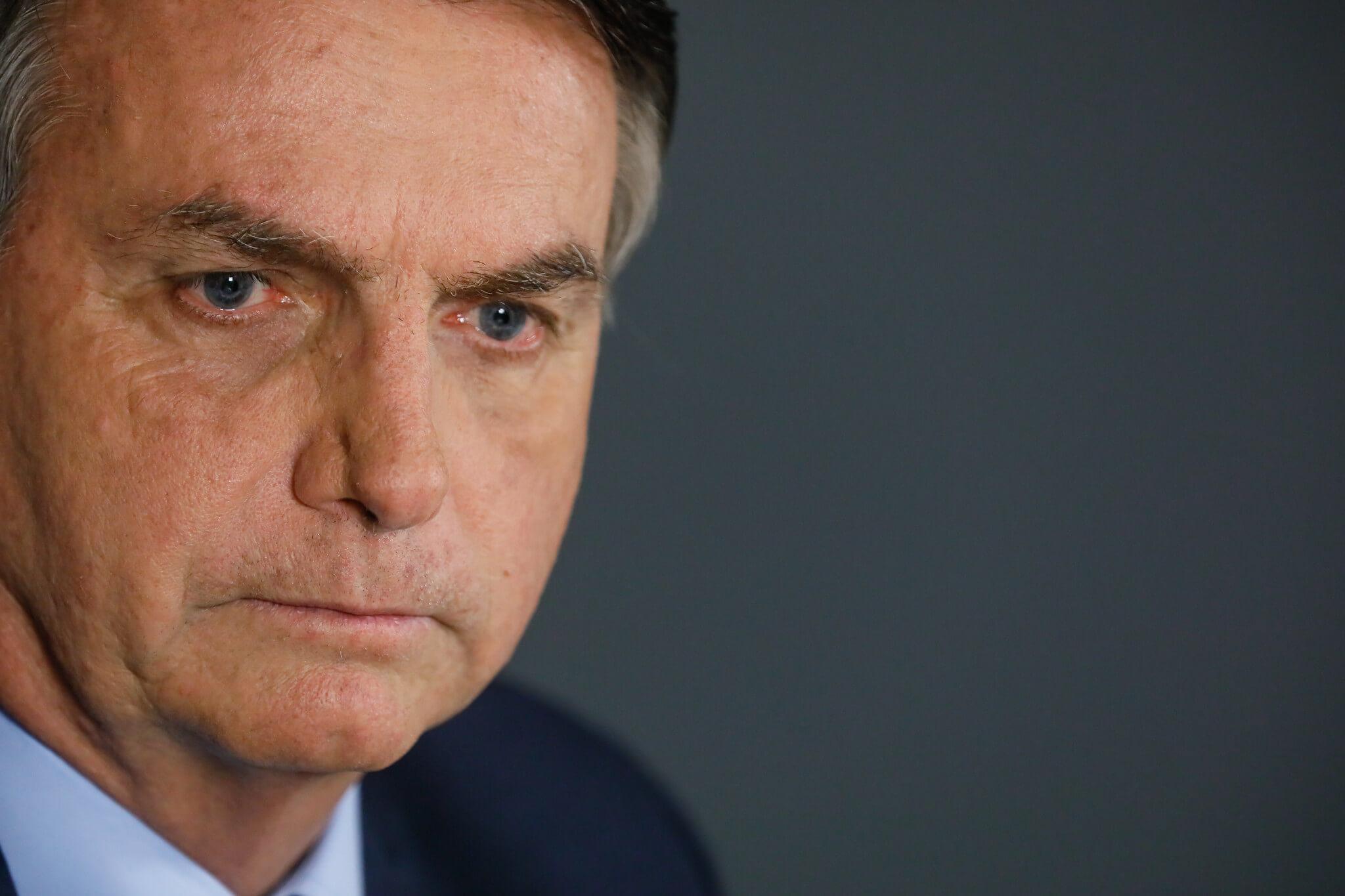Bolsonaro diz que o governo está se esforçando ao máximo para vacinar toda a população até o fim do ano thumbnail