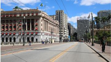 O Theatro Municipal, no centro de São Paulo, vazio durante a pandemia de coronavírus