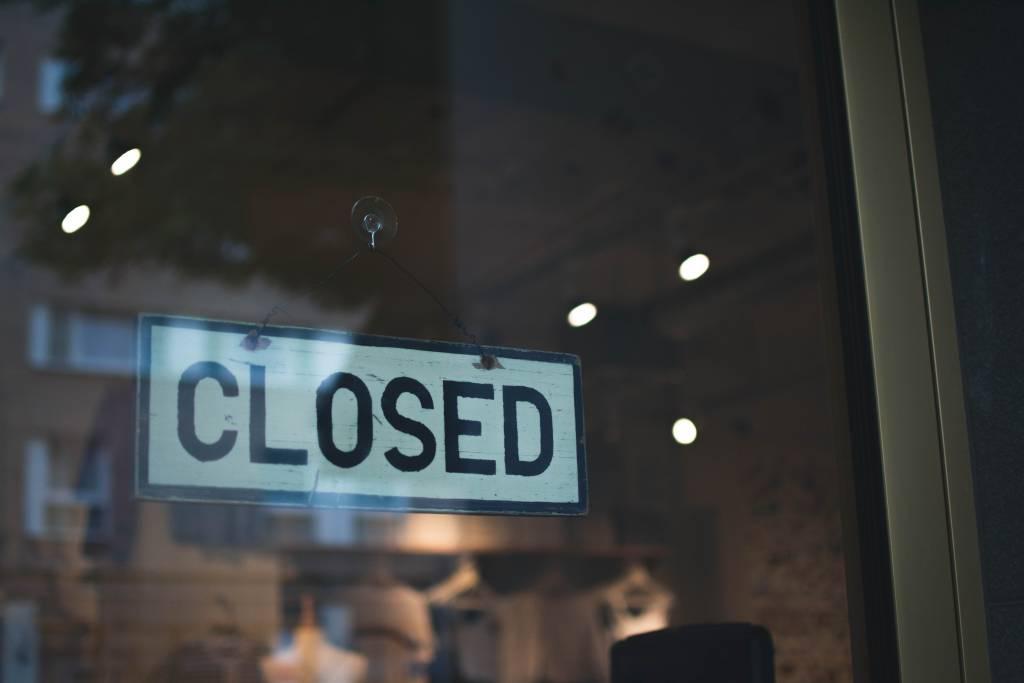 Comércio fechado