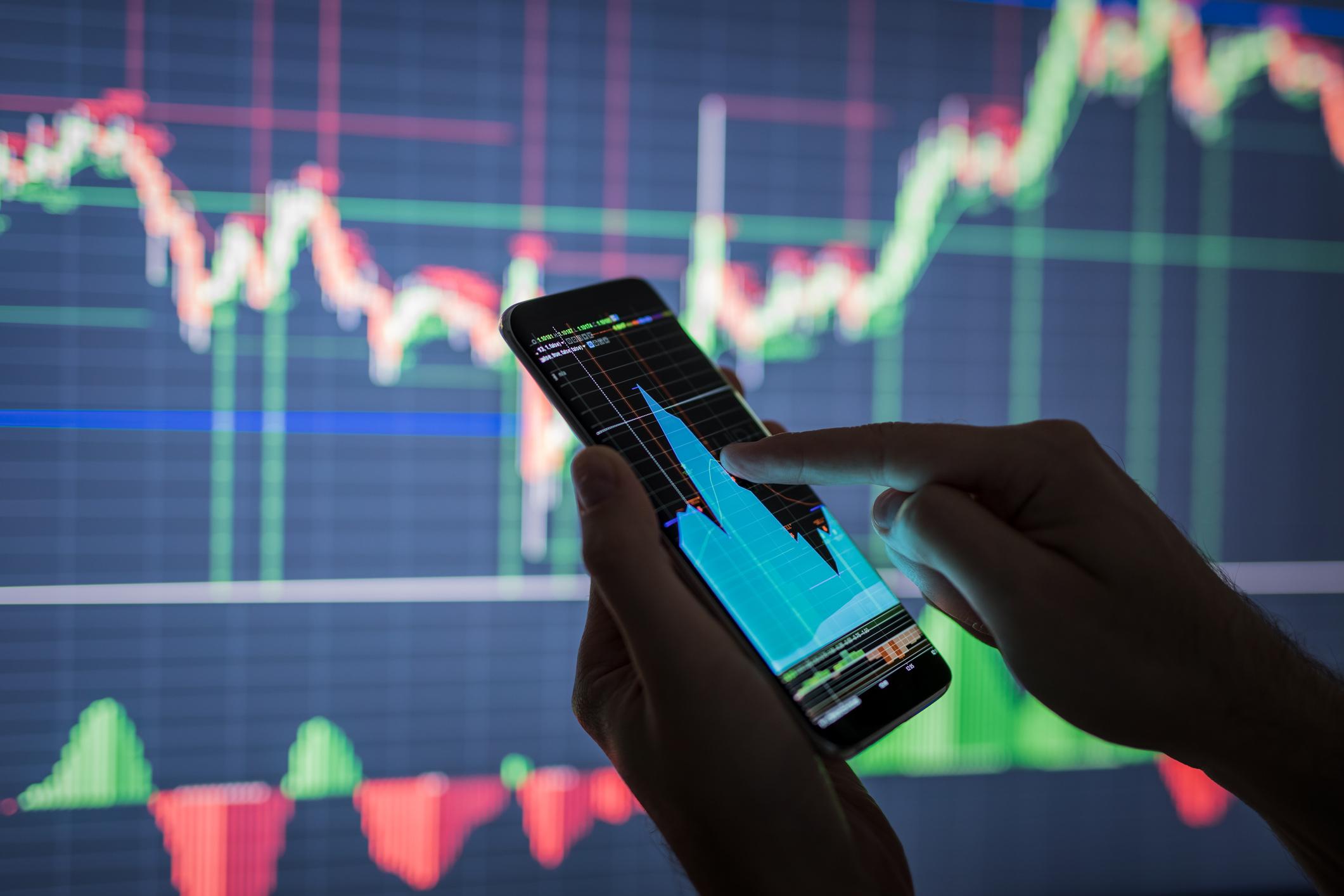 Carteira gráfica da XP sobe 0,9% na semana e troca 2 das 5 ações; veja as mudanças
