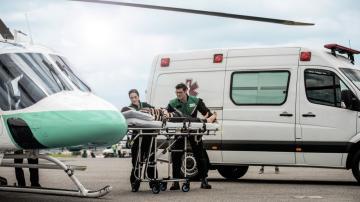 ambulância-helicóptero-doente aviação executiva