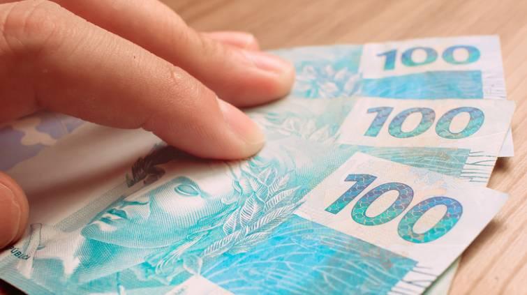 Dinheiro 100 reais