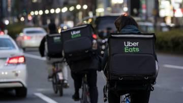Entregadores do Uber Eats