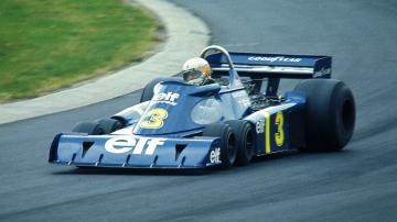Jody Scheckter em uma Tyrrell-Ford P34 em 1976