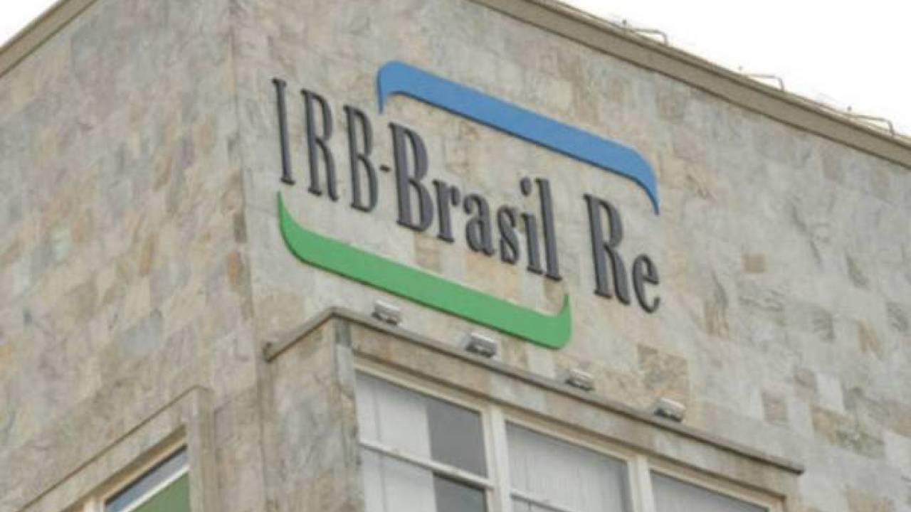 Ação do IRB tem queda de quase 10% após aprovar capitalização bilionária; Braskem cai 4% e Eletrobras sobe 5% thumbnail