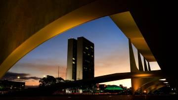 DF - ENTARDECER/BRASÍLIA - CIDADES - Fim de tarde visto do Palácio do Planalto, composto com o prédio do Congresso Nacional, em Brasília, nesta terça-feira, 02. 02/06/2020 - Foto: DIDA SAMPAIO/ESTADÃO CONTEÚDO