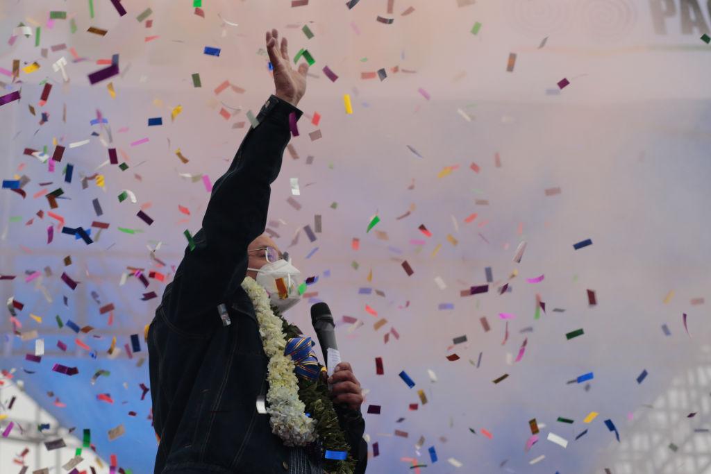 Socialistas tentam retomar o comando da Bolívia após saída de Evo Morales thumbnail