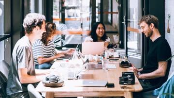 Equipe de startup (reunião, time, inovação)