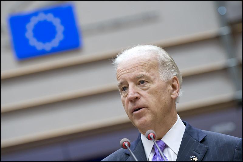 Está claro que economia dos EUA segue com problemas, diz Biden thumbnail