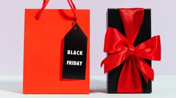 Sacola e presente de Black Friday