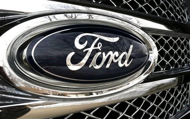 """Ford chama grupo de funcionários para produzir peças """"por alguns meses"""""""