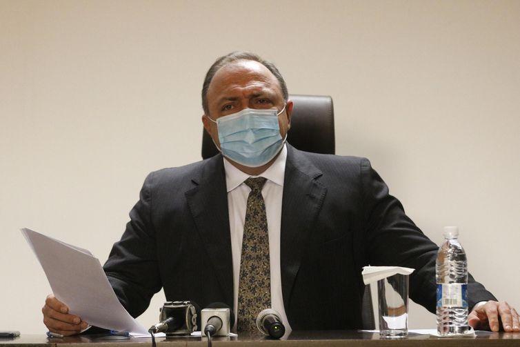 O ministro da Saúde, Eduardo Pazuello, concede entrevista, para falar sobre a vacinação contra a covid-19 no país, Instituto Nacional de Traumatologia e Ortopedia (Into) -