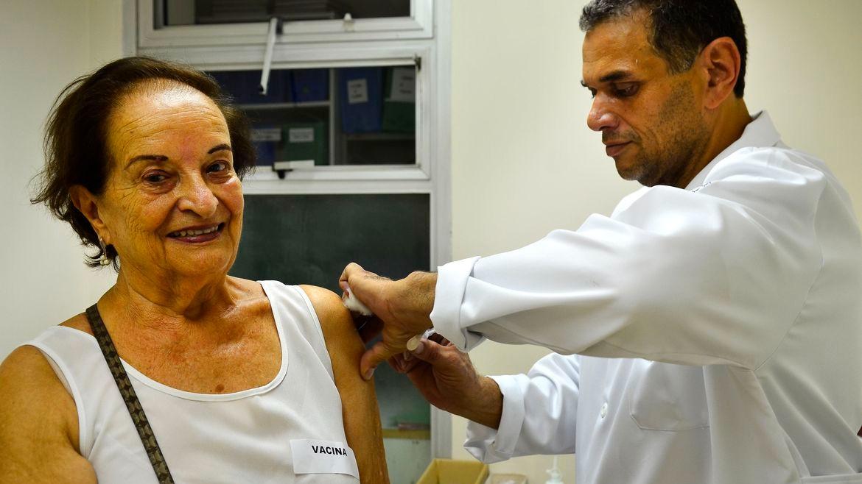 Vacinação contra Covid-19 para idosos com 90 anos de idade ou mais, na cidade de São Paulo (Rovena Rosa/Agência Brasil)