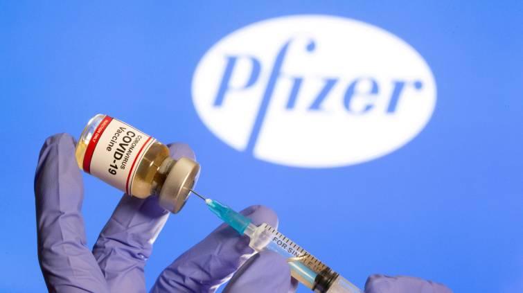 Vacina contra Covid-19 da Pfizer (REUTERS/Dado Ruvic)