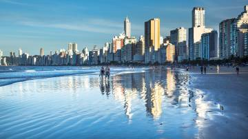 Praia em Santa Catarina (Pixabay)