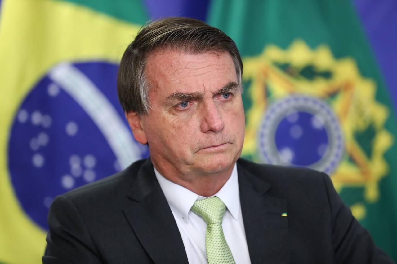 """Bolsonaro entra no STF para derrubar """"toque de recolher"""" adotado por governadores contra a Covid-19"""