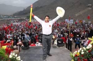 Castillo lidera eleição no Peru com 50,125% após fim da apuração