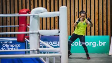 Treino da equipe de boxe do Time Brasil, Beatriz Ferreira (Míriam Jeske/COB)