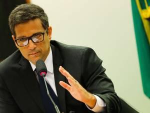 É grave que o BC antecipe decisão da Selic em um evento fechado, afirma economista-chefe do BV
