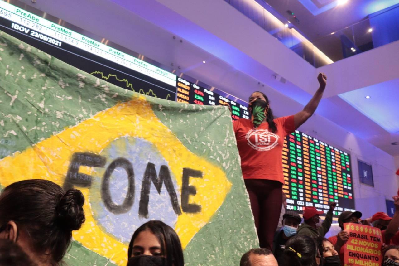 MTST ocupa a Bolsa de Valores de São Paulo (B3)