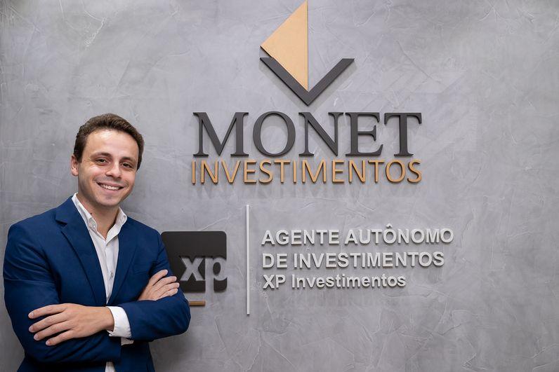 Assessor da Monet Investimentos Tiago Carrielo